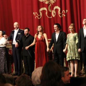 Onegin, Bayerische Staatsoper, München 01/2014 | Larissa Diadkova (Filipjewna), Rafał Siwek (Gremin), Kristine Opolais (Tatiana), Ekaterina Sergeeva (Olga), Edgaras Montvidas (Lenski)